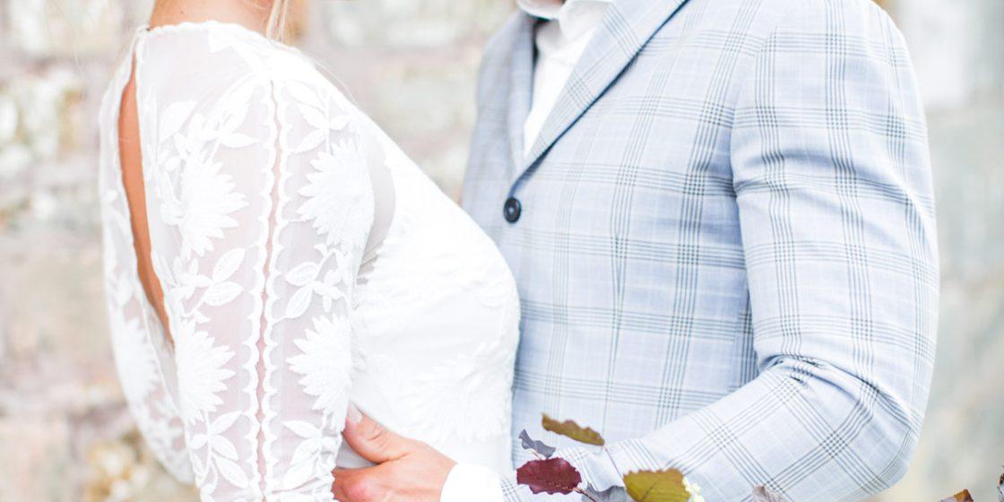 TailormadeSuits_trouwpak_Styled-bridal-shoot-bij-Kasteel-Erenstein-door-Nienke-van-Denderen-Fotografie-70